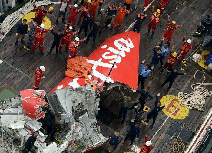 «Ελαττωματικό εξάρτημα» το αίτιο συντριβής του AirAsia