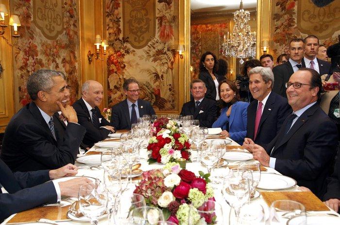 Το δείπνο Ομπάμα - Ολάντ στην «Αμβροσία» με 360€ το άτομο - εικόνα 2
