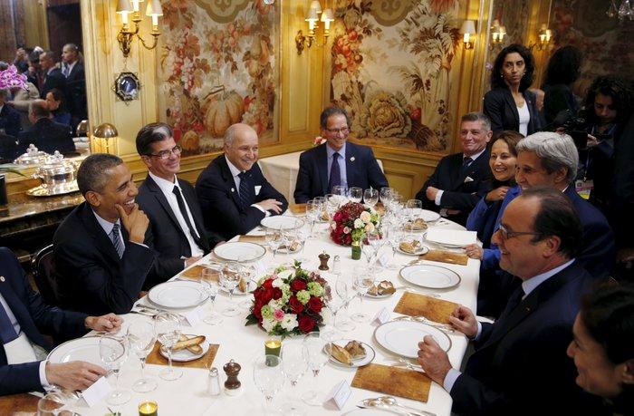 Το δείπνο Ομπάμα - Ολάντ στην «Αμβροσία» με 360€ το άτομο - εικόνα 3