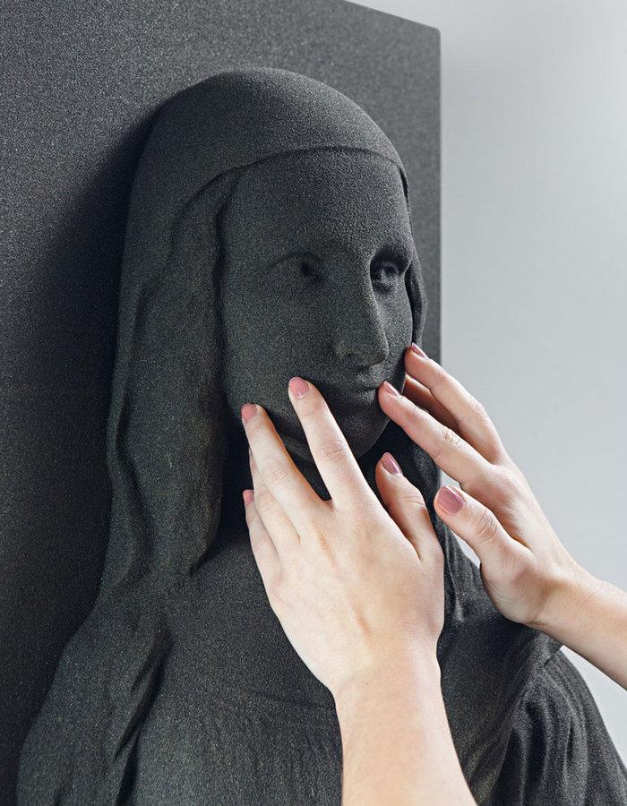 """Τυφλοί """"βλέπουν"""" για πρώτη φορά διάσημα έργα τέχνης - εικόνα 2"""