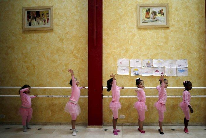 Μαθήματα μπαλέτου στη Γάζα: 8χρονα χορεύουν μακριά από τους εφιάλτες τους
