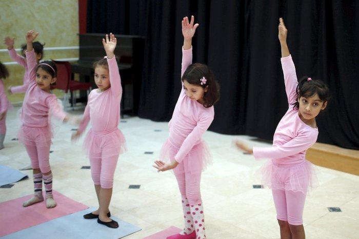 Μαθήματα μπαλέτου στη Γάζα: 8χρονα χορεύουν μακριά από τους εφιάλτες τους - εικόνα 2