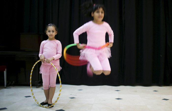 Μαθήματα μπαλέτου στη Γάζα: 8χρονα χορεύουν μακριά από τους εφιάλτες τους - εικόνα 3
