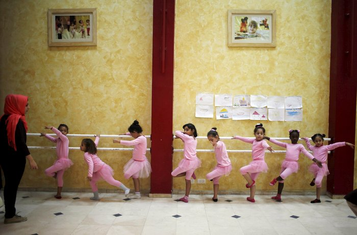 Μαθήματα μπαλέτου στη Γάζα: 8χρονα χορεύουν μακριά από τους εφιάλτες τους - εικόνα 4