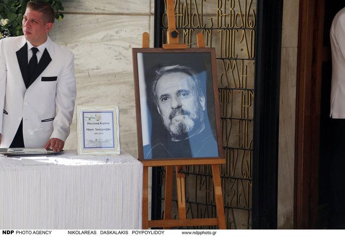 Ολο το ελληνικό θέατρο είπε αντίο στον Μηνά Χατζησάββα - εικόνα 2