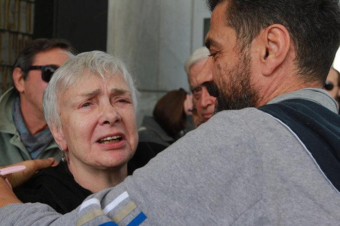 Ολο το ελληνικό θέατρο είπε αντίο στον Μηνά Χατζησάββα - εικόνα 5