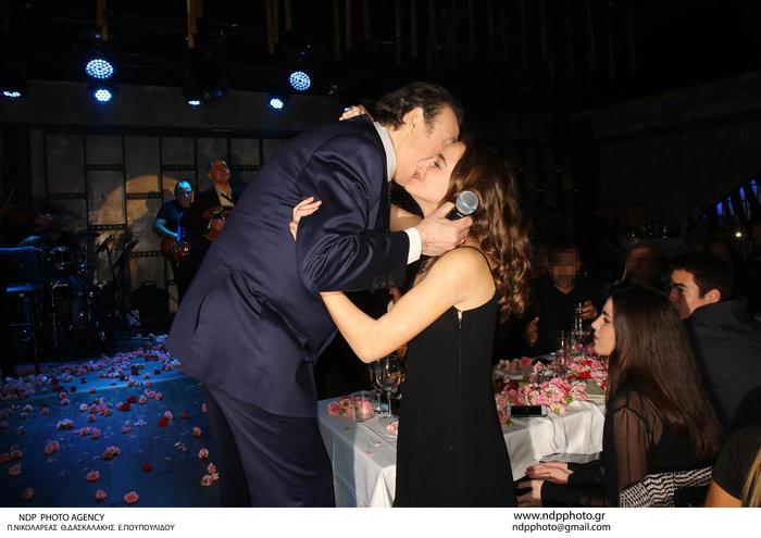 Πρεμιέρα Βοσκόπουλου: Η Γκερέκου, η κούκλα κόρη και τα τρυφερά φιλιά! - εικόνα 4