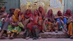 simera-stin-india-oi-gunaikes-xtupoun-me-rabdia-tous-andres