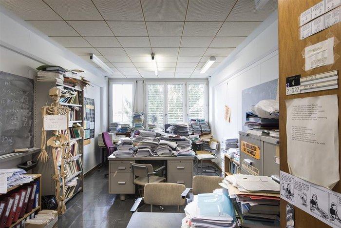 Το γραφείο του Τζον Έλλις - ενός εκ των θεωρητικών φυσικών του CERN που δούλεψε στους τρόπους πειραματικής ανακάλυψης του Higgs καθώς και σε θεωρίς υπερσυμμετρίας.
