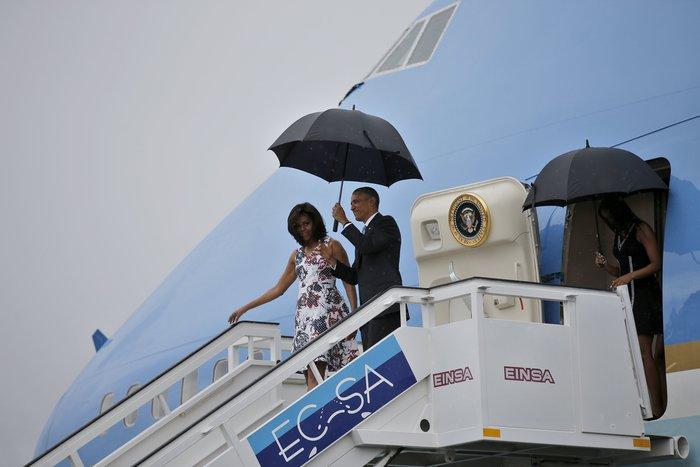 Σταρ ο Ομπάμα στην Αβάνα με την Μισέλ και τις κόρες