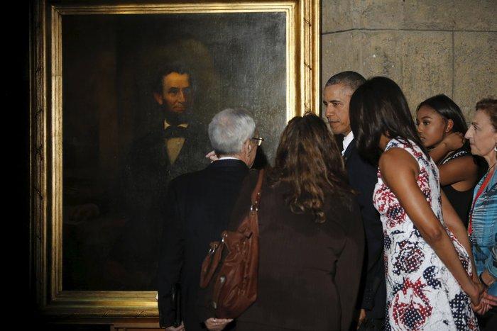 Ο Ομπάμα στην πλατεία της Επανάστασης με τον Τσε Γκεβάρα - εικόνα 18