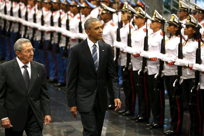 Ο Ομπάμα στην πλατεία της Επανάστασης με τον Τσε Γκεβάρα - εικόνα 7