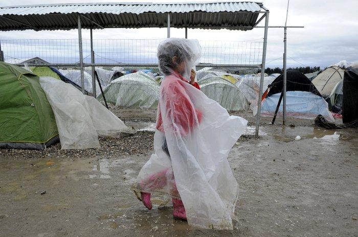Οι πρώτοι πρόσφυγες που εγκαταλείπουν την Ειδομένη - εικόνα 2