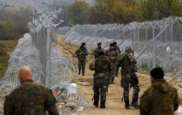 Σε ετοιμότητα ο στρατός των Σκοπίων δίπλα στην Ειδομένη