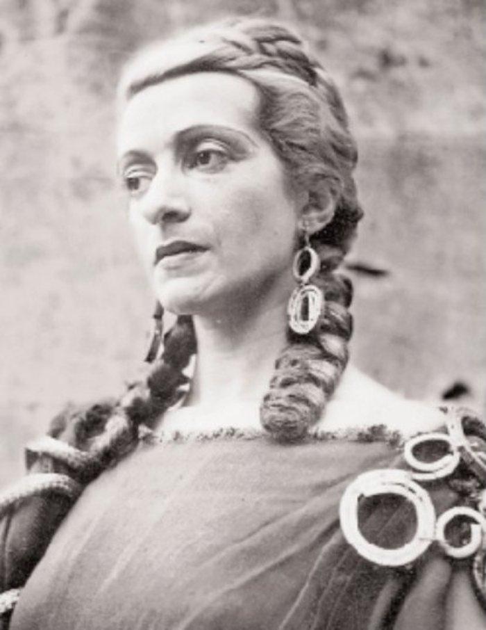 Η Ελένη Παπαδάκη «επιστρέφει» στο Εθνικό Θέατρο
