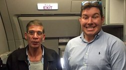 Δείτε πως έβγαλε ο βρετανός selfie με τον αεροπειρατή