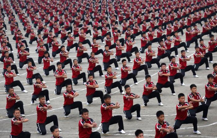 Μαθητές της Σχολής Πολεμικών Τεχνών Shaolin Tagou στην εναρκτήρια τελετή του Zhengzhou International Shaolin Wushu Festival