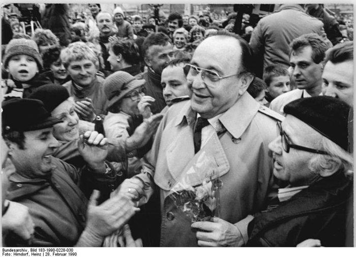 Χανς Ντίτριχ Γκένσερ: Ο «πατριάρχης» της γερμανικής διπλωματίας - εικόνα 7