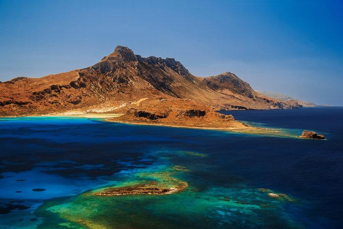 Μπάλος στην Κρήτη: Η παραλία με τη ροζ άμμο και τη σουρεαλιστική ομορφιά - εικόνα 2