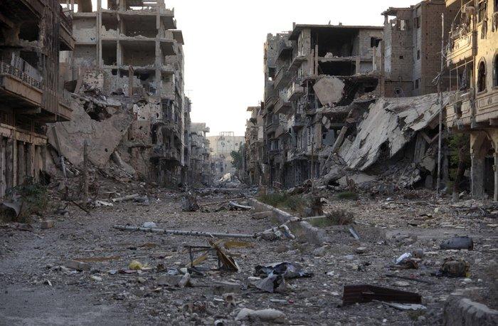 Η αρχιτεκτόνισσα της Χομς που σχεδιάζει στα ερείπια
