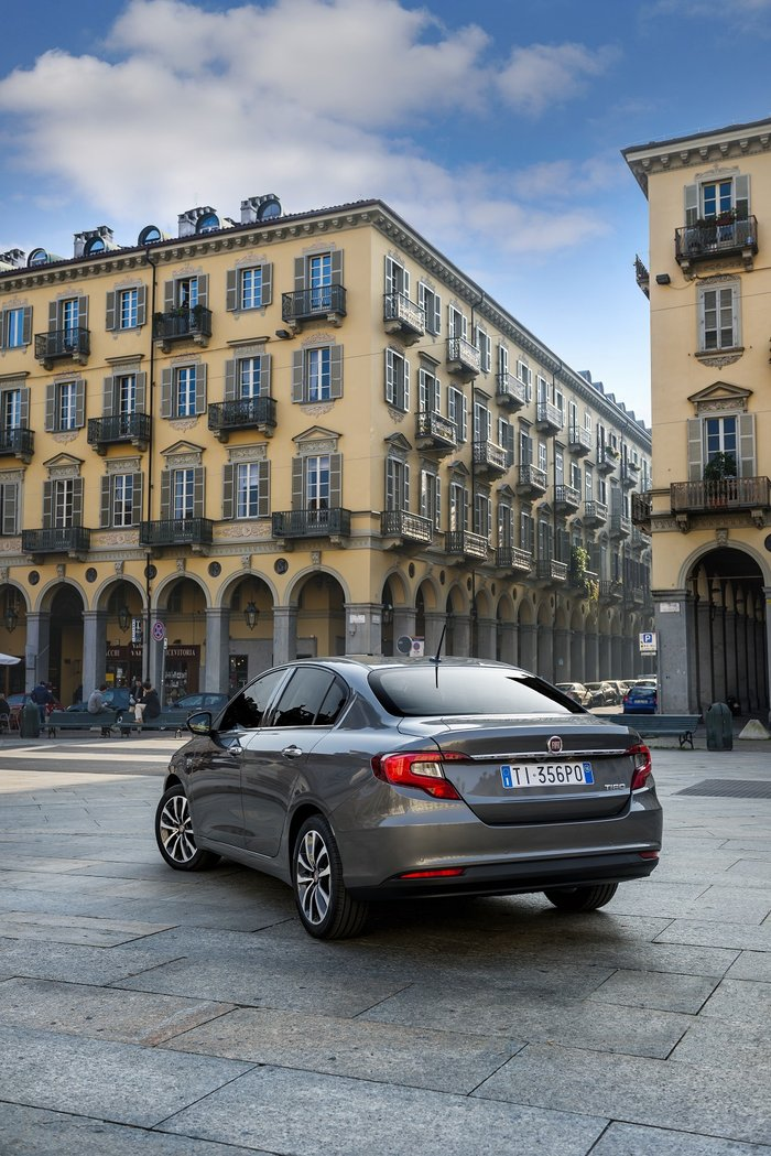 Πρώτη του νέου Fiat Tipo στην ελληνική αγορά με 11.990€