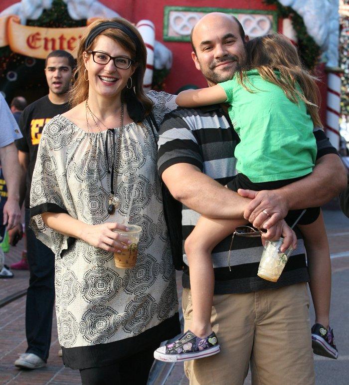 H Νία Βαρντάλος με τον σύζυγό της και την κόρη τους
