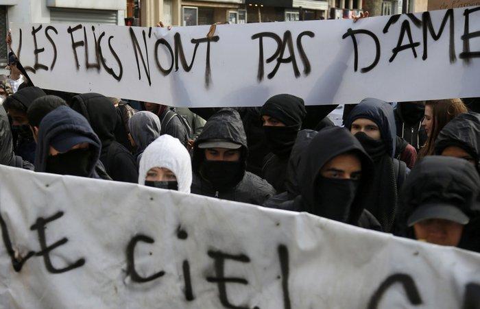 Ξύλο και δεκάδες συλλήψεις στο Παρίσι για τα εργασιακά:Φωτογραφίες & βίντεο