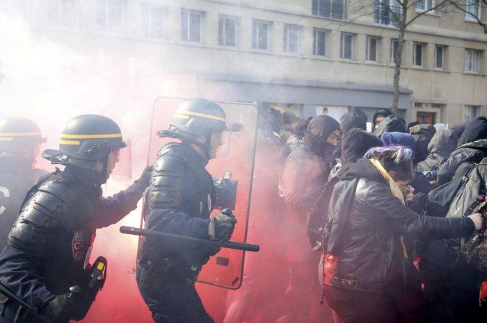 Ξύλο και δεκάδες συλλήψεις στο Παρίσι για τα εργασιακά:Φωτογραφίες & βίντεο - εικόνα 5
