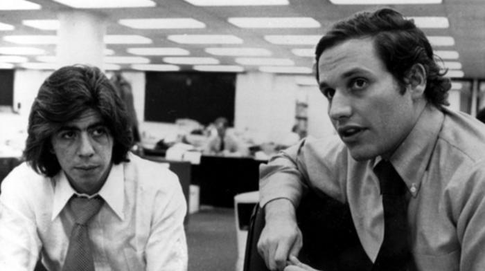 Οι δημοσιογράφοι της Washington Post Μπομπ Γουντγουόρντ και Καρλ Μπέρνστιν