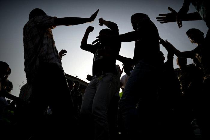 Πρόσφυγες και μετανάστες ετοιμάζουν νέα πορεία από Πειραιά στο Σύνταγμα - εικόνα 3