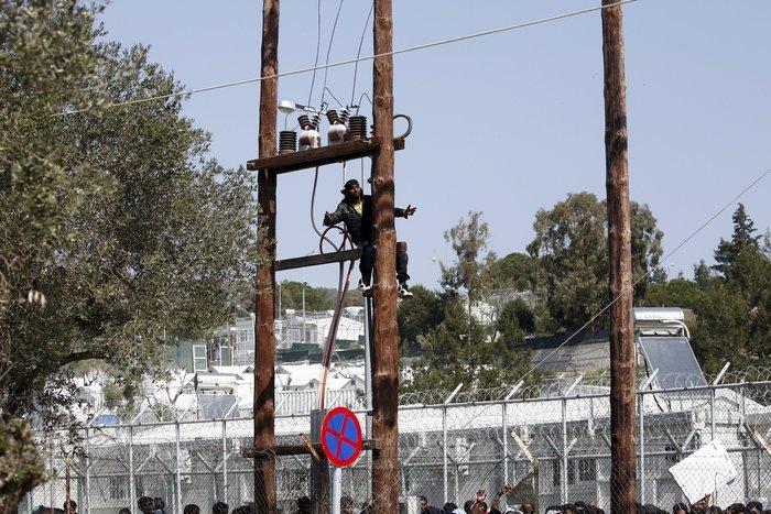 Μετανάστης προσπάθησε να αυτοκτονήσει στo hotspot της Μόρια - εικόνα 7