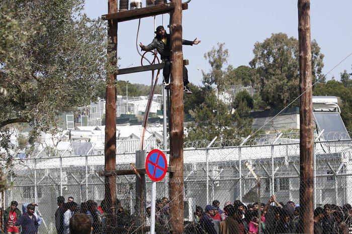 Μετανάστης προσπάθησε να αυτοκτονήσει στo hotspot της Μόρια - εικόνα 2