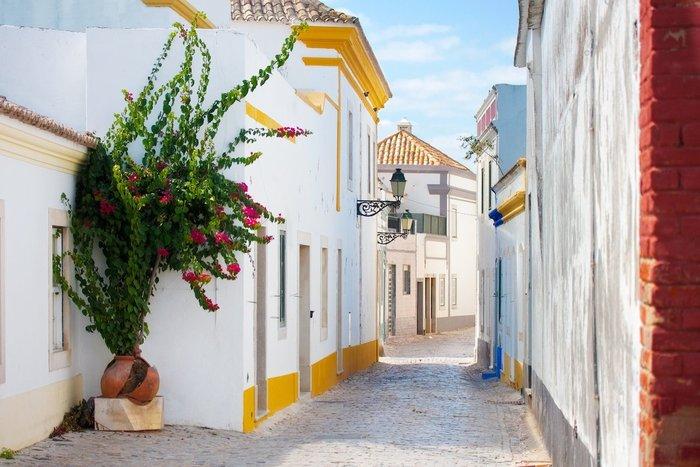 Ενα πανέμορφο ελληνικό νησί στους 19 πιο φθηνούς προορισμούς στη γη - εικόνα 15