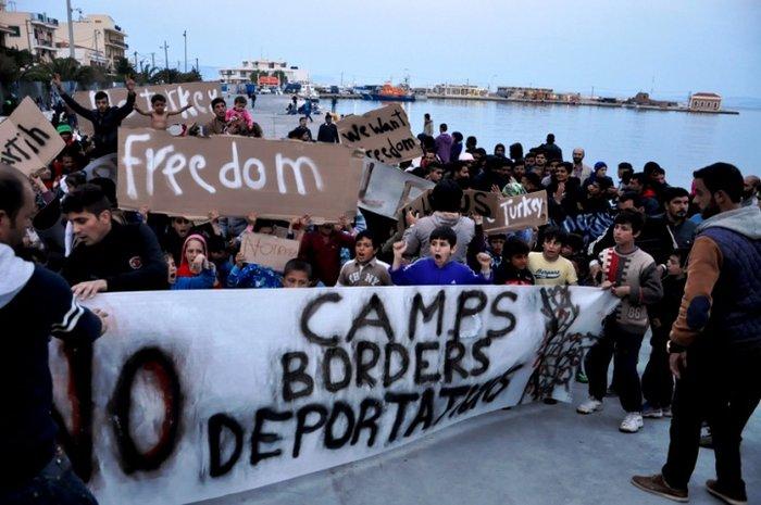 Πρόσφυγες προσπάθησαν να στήσουν σκηνές στη Βουλή - εικόνα 5