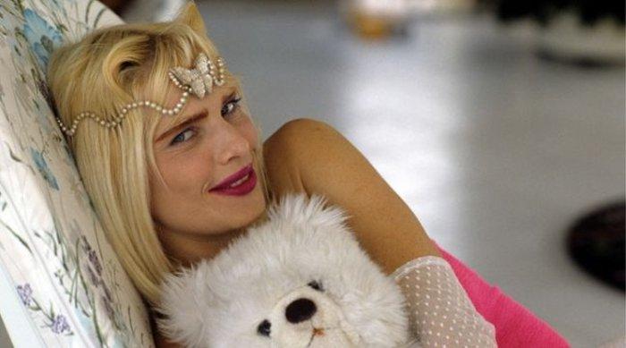 Η πιο διάσημη πορνοστάρ του κόσμου Τσιτσιολίνα στην Αθήνα