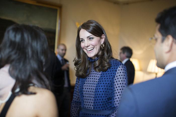 Η απροσδόκητη εμφάνιση της Κέιτ Μίντλετον με διαφανές φόρεμα - εικόνα 7