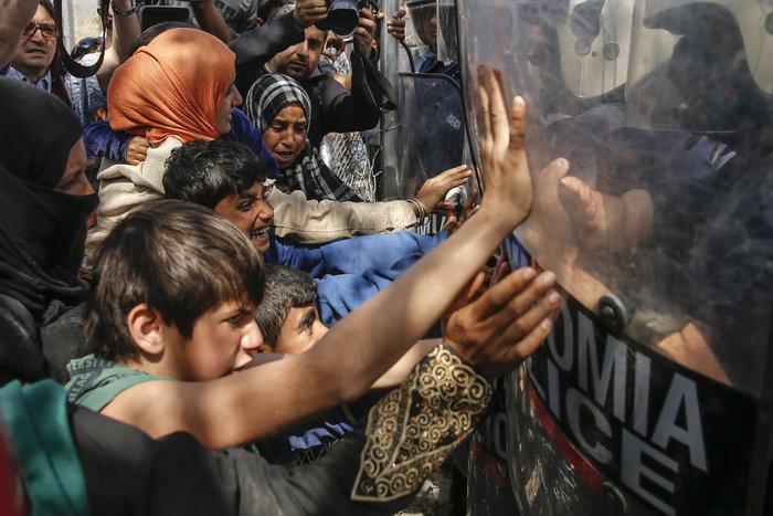 «Βράζουν» οι πρόσφυγες, φόβοι για γενικευμένη εξέγερση - εικόνα 2