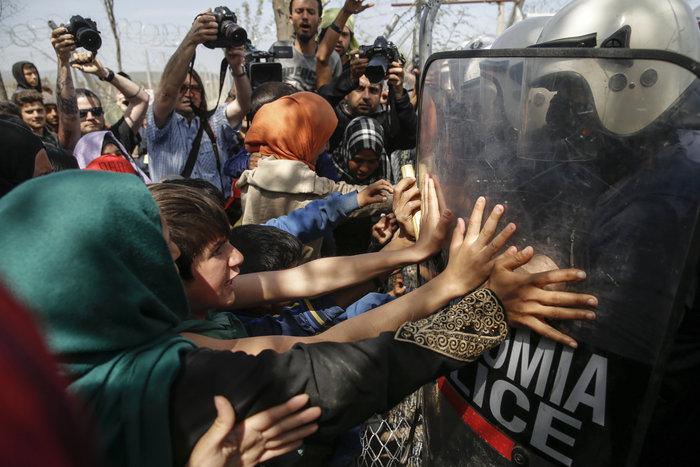 «Βράζουν» οι πρόσφυγες, φόβοι για γενικευμένη εξέγερση - εικόνα 3