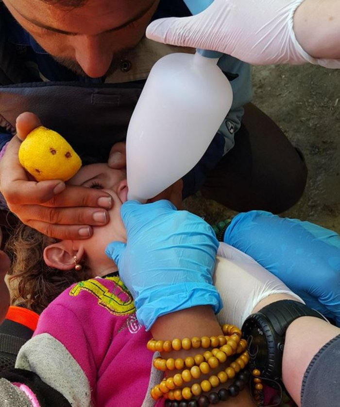 Στο έλεος της βίας οι πρόσφυγες στην Ειδομένη -  φωτό και video - εικόνα 4