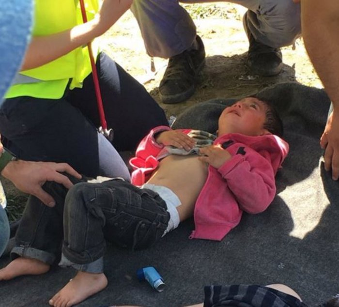 Στο έλεος της βίας οι πρόσφυγες στην Ειδομένη -  φωτό και video - εικόνα 5