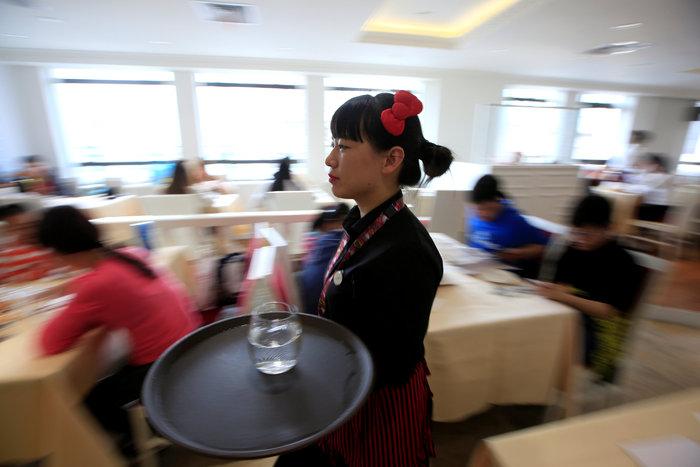 Το νέο εστιατόριο Hello Kitty μοιάζει με σκηνικό από παραμύθι - εικόνα 6