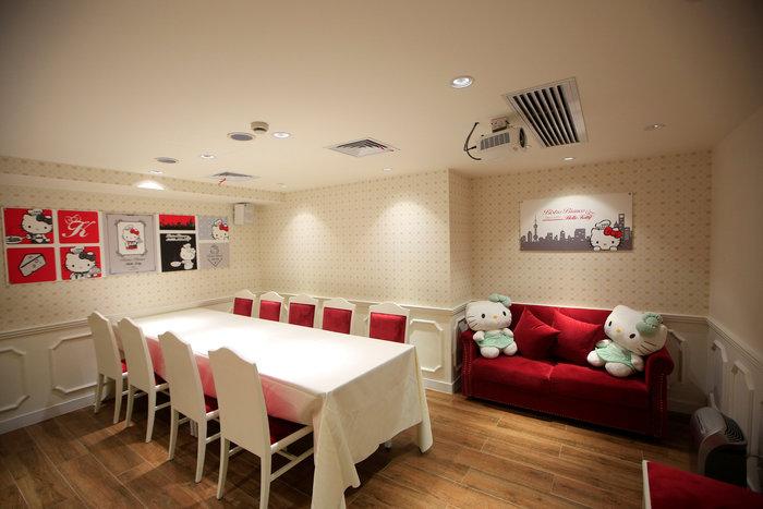 Το νέο εστιατόριο Hello Kitty μοιάζει με σκηνικό από παραμύθι - εικόνα 8