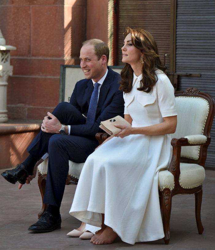 Το... σέξι ατύχημα της Κέιτ: Παρολίγον να αποκαλύψει το βασιλικό εσώρουχο - εικόνα 7