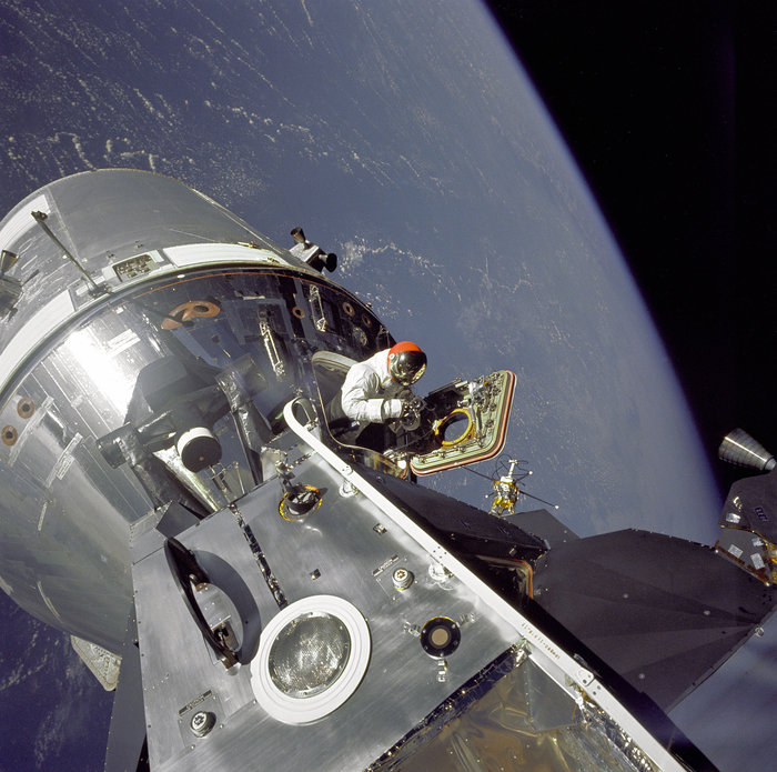 Η καταπληκτική συλλογή φωτογραφιών του διαστήματος από τη NASA