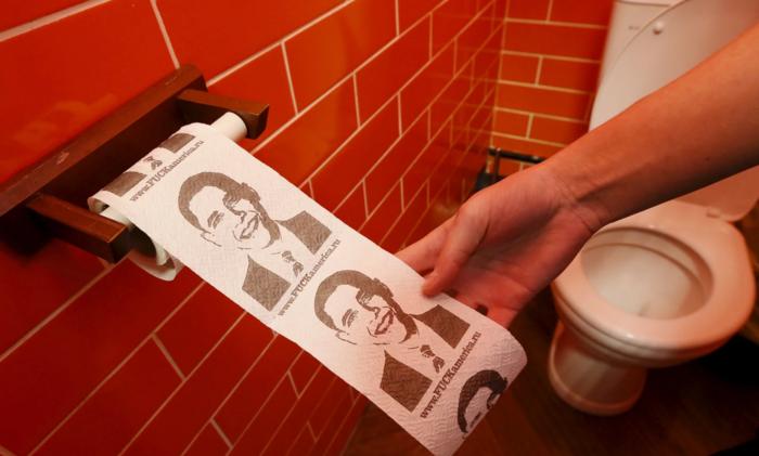Και τον Ομπάμα σε...χαρτί τουαλέτας