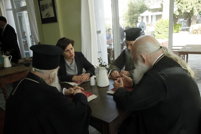 Στη Λέσβο ο Ιερώνυμος ενόψει της επίσκεψης του Πάπα - εικόνα 3