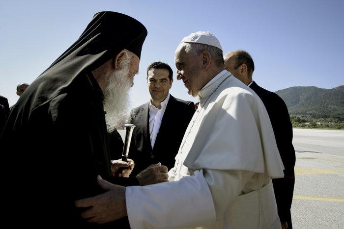 Καρέ - καρέ η επίσκεψη του Πάπα Φραγκίσκου στη Λέσβο - εικόνα 5