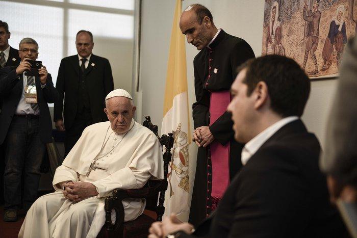 Καρέ - καρέ η επίσκεψη του Πάπα Φραγκίσκου στη Λέσβο - εικόνα 9