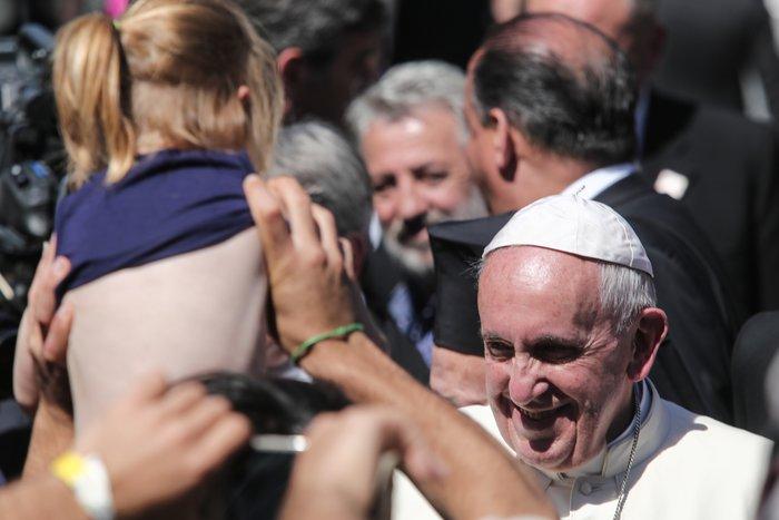 Καρέ - καρέ η επίσκεψη του Πάπα Φραγκίσκου στη Λέσβο - εικόνα 12