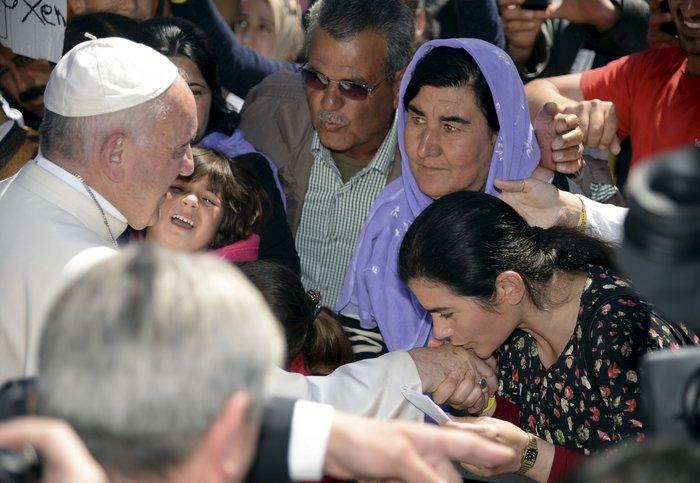 Καρέ - καρέ η επίσκεψη του Πάπα Φραγκίσκου στη Λέσβο - εικόνα 15